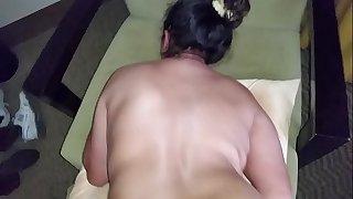 como  a una puta mi esposo me da por mi colita