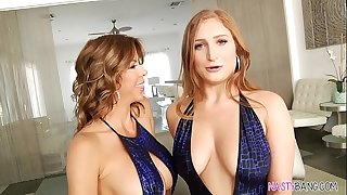 Squirting lesbian hookup - Alexis Fawx and Skylar Snow